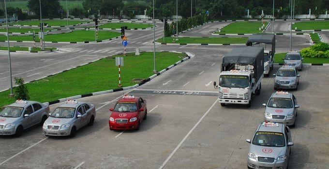 học lái xe ô tô tại Phú Nhuận