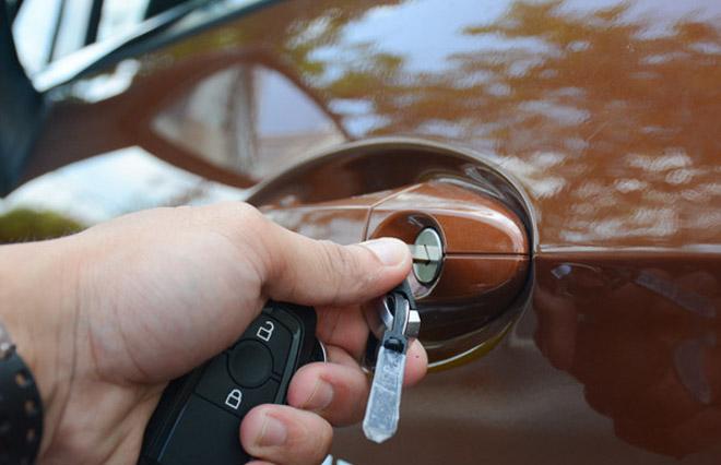 chìa khóa hết pin