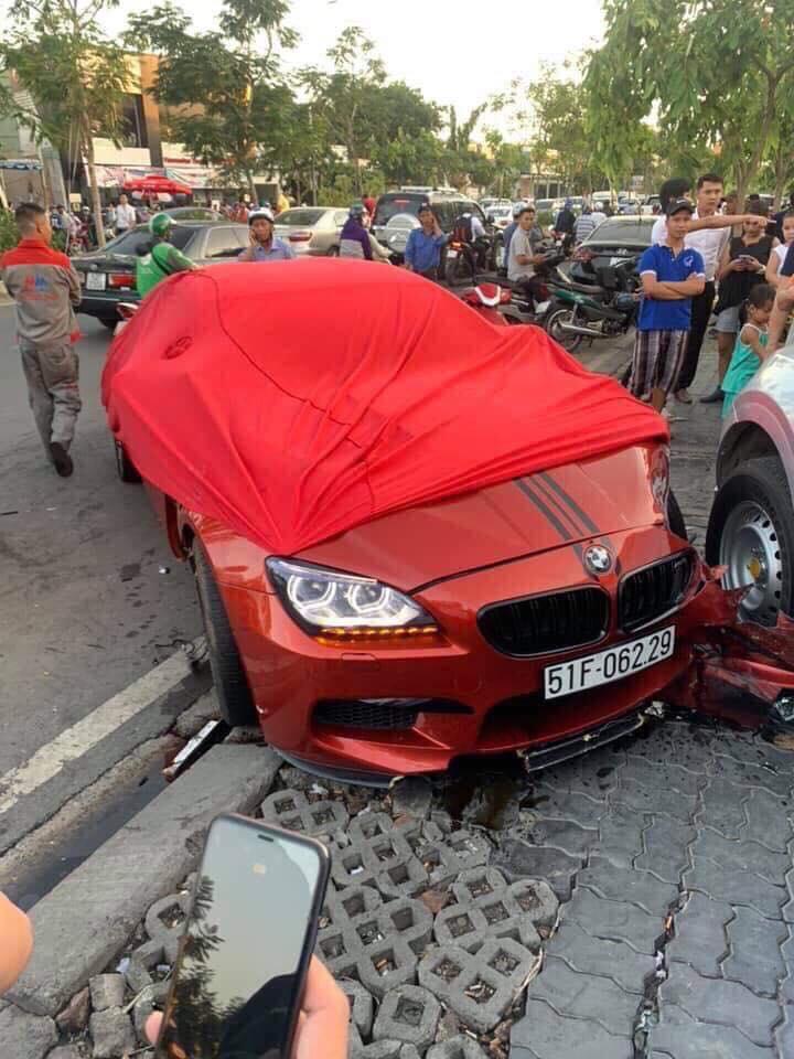 siêu xe bị tai nạn