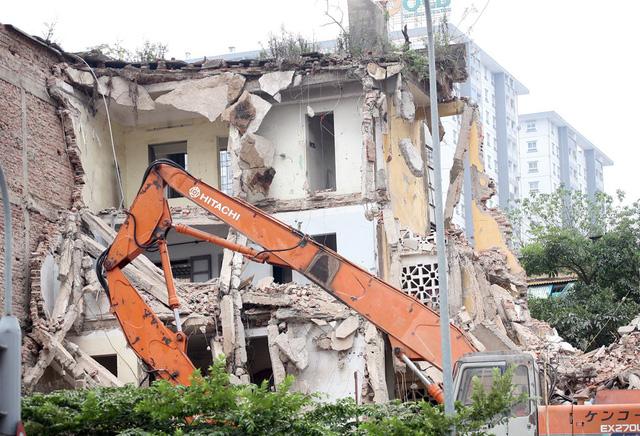 tháo dỡ chung cư 2