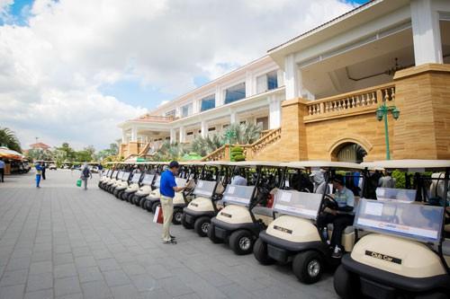 xóa sân golf Tân Sơn Nhất